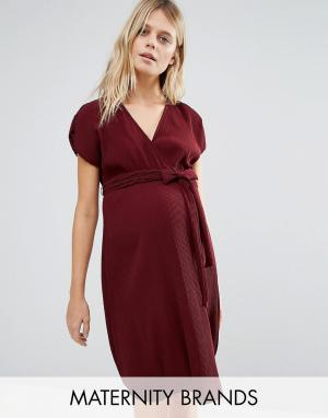 New Look Maternity Плиссированное платье для беременных с запахом. Цвет: красный