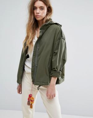 Maison Scotch Свободная куртка в стиле милитари со складывающимся капюшоном S. Цвет: зеленый