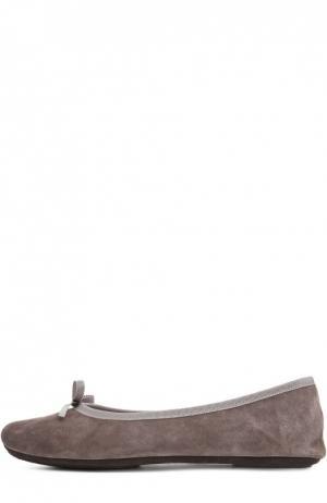 Замшевые домашние туфли с бантом Homers At Home. Цвет: серый