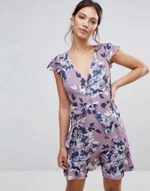 Hope and Ivy Короткое приталенное платье с цветочным принтом и рюшами &. Цвет: серый