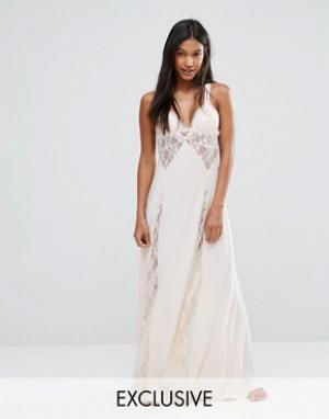 Moonchild Платье-комбинация макси с перекрестной спинкой и кружевом. Цвет: кремовый