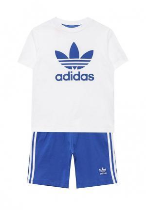 Костюм спортивный adidas Originals. Цвет: белый