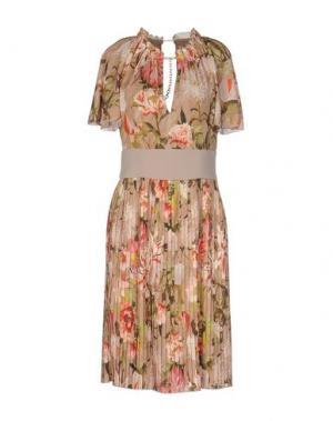 Платье до колена TENAX. Цвет: песочный