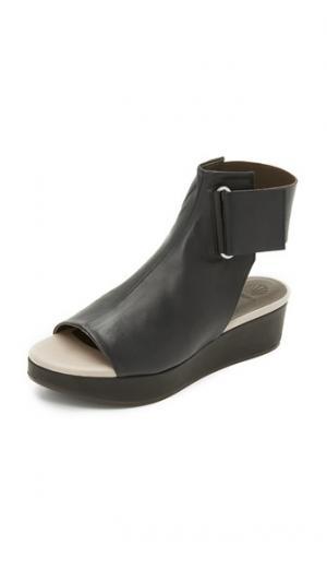 Сандалии на платформе Bergamot Coclico Shoes. Цвет: голубой
