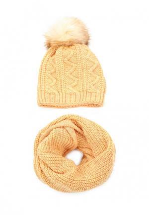 Комплект шапка и снуд Fete. Цвет: желтый