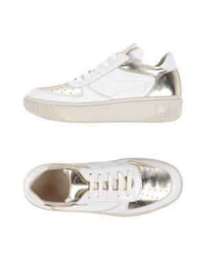 Низкие кеды и кроссовки JANET SPORT. Цвет: платиновый