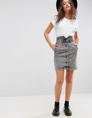 ASOS Черная выбеленная джинсовая юбка на пуговицах. Цвет: черный