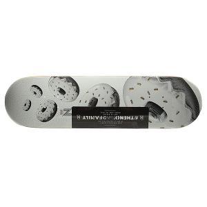 Дека для скейтборда  Tasty Bagel Deck White/Black 32 x 8.25 (21 см) Nomad. Цвет: белый,черный,серый
