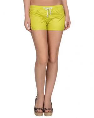 Пляжные брюки и шорты PANTONE UNIVERSE by SONIA SPENCER. Цвет: кислотно-зеленый