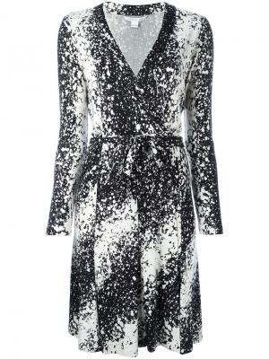Платье с запахом и абстрактным принтом Dvf Diane Von Furstenberg. Цвет: чёрный
