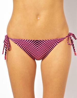 Плавки-бикини с завязками по бокам и принтом зигзаг TYR Huntington Beach. Цвет: розовый