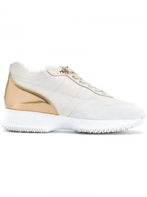 Кроссовки с пяткой металлическим блеском Hogan. Цвет: белый