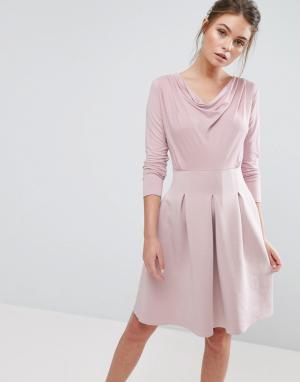 Closet London Короткое приталенное платье со складками. Цвет: розовый