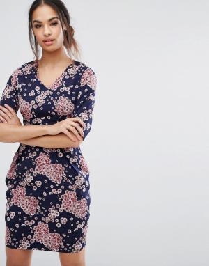 Poppy Lux Цельнокройное платье с цветочным принтом. Цвет: мульти