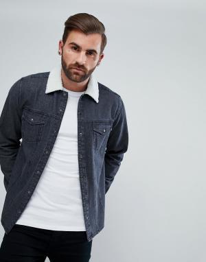 ASOS Джинсовая рубашка навыпуск с отделкой искусственным мехом. Цвет: черный