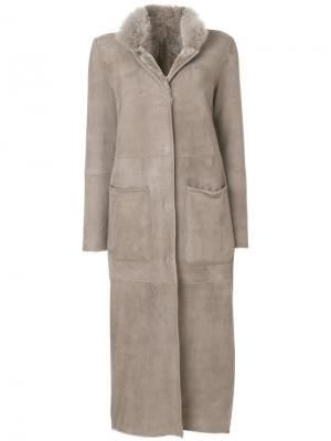 Пальто с меховым воротником Manzoni 24. Цвет: серый