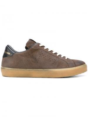 Кроссовки на шнуровке Leather Crown. Цвет: коричневый