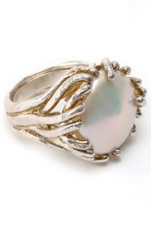 Кольцо Estrosia. Цвет: серебристый, жемчужный