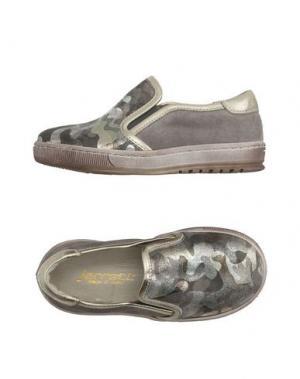 Низкие кеды и кроссовки JARRETT. Цвет: серый