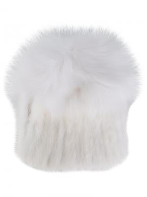 Меховая шапка Yves Salomon. Цвет: белый