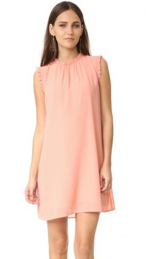 Платье без рукавов с оборками WAYF. Цвет: розовый