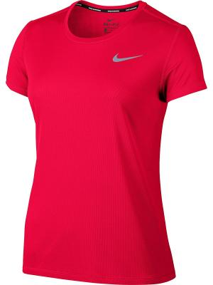 Футболка W NK BRTHE RAPID TOP SS Nike. Цвет: красный