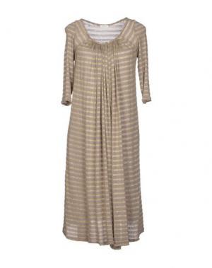 Платье до колена GOLD CASE. Цвет: голубиный серый