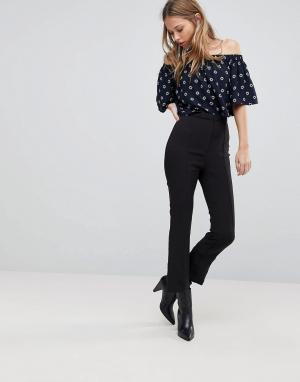 The Fifth Укороченные брюки. Цвет: черный