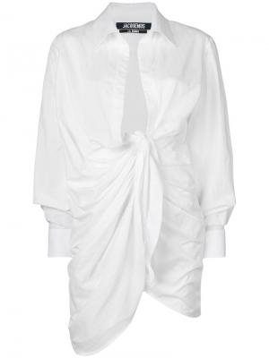 Рубашка с запахом Jacquemus. Цвет: белый