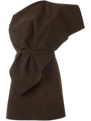 Платье на одно плечо Jacquemus. Цвет: коричневый