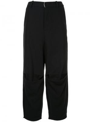 Укороченные брюки свободного кроя Aleksandr Manamïs. Цвет: чёрный