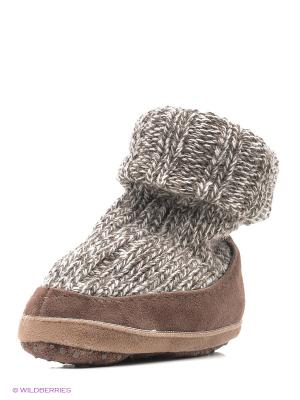 Тапочки- носки противоскользящие BROSS. Цвет: бежевый, коричневый