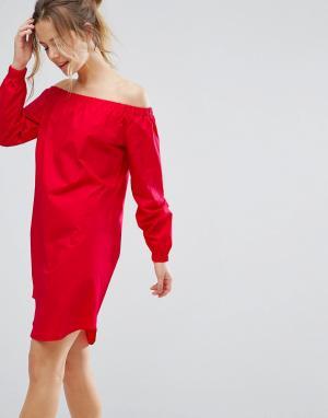 Closet London Цельнокройное платье с открытыми плечами. Цвет: красный