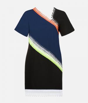 Платье с короткими рукавами и отделкой Christopher Kane. Цвет: многоцветный