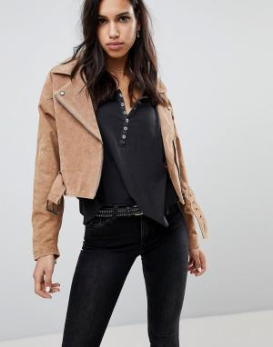 BLANK NYC Замшевая байкерская куртка. Цвет: кремовый