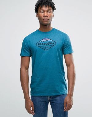 Patagonia Голубая футболка узкого кроя с принтом Fitz Roy Crest. Цвет: синий