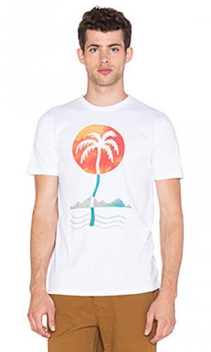 Футболка palm Altru. Цвет: белый