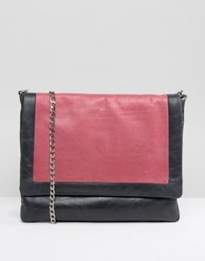 Urbancode Grey Real Leather Tonal Colourblock Bag. Цвет: темно-синий