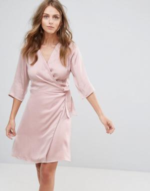Minimum Платье-кимоно. Цвет: белый