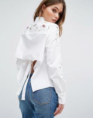 BLANK NYC Рубашка с вышивкой и открытой спиной. Цвет: синий