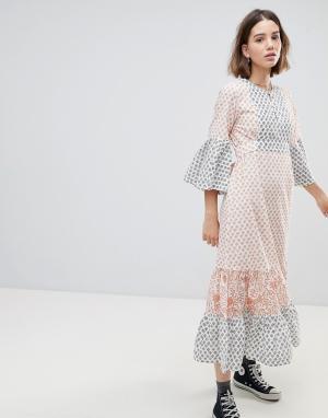 People Tree Чайное платье макси с мозаичным принтом. Цвет: мульти