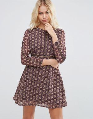 Goldie Чайное платье с декоративной отделкой Desert Drive. Цвет: синий