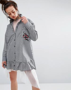 The Ragged Priest Платье-рубашка в клеточку с нашивкой. Цвет: черный