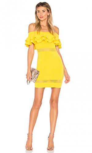 Платье с открытыми плечами emilie by the way.. Цвет: желтый