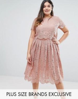 Truly You Двухслойное кружевное платье с короткими рукавами. Цвет: розовый