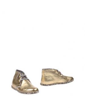 Полусапоги и высокие ботинки LE CROWN. Цвет: золотистый