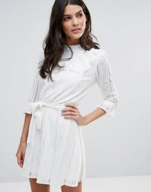 Liquorish Кружевное платье с длинными рукавами. Цвет: белый