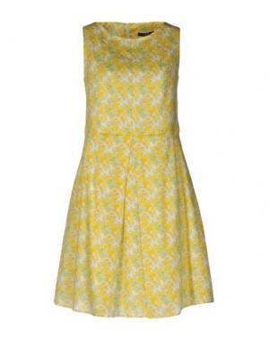 Короткое платье DAKS LONDON. Цвет: желтый