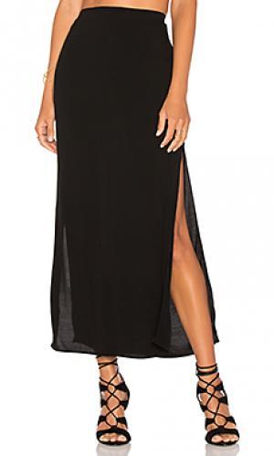 Длинная юбка с разрезом MONROW. Цвет: черный