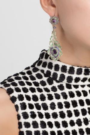 Серебряные серьги с сапфирами, аметистами и зелеными агатами «Перо Павлина» Axenoff Jewellery. Цвет: серебряный, сиреневый, синий, зеленый